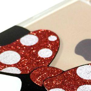 Dettaglio glitter rosso cover minnie mouse