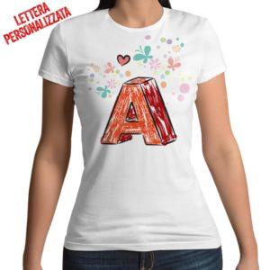 Tshirt 100% cotone con stampa frontale della lettera effetto brush con cuoricini bianca